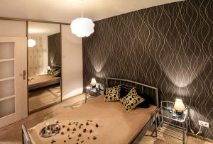 small-room-mirror-bedroom