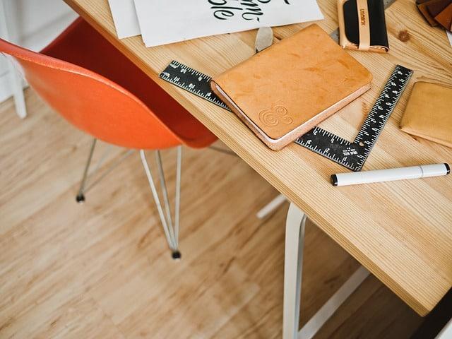 fold-away-desk-for-small-dorm-room