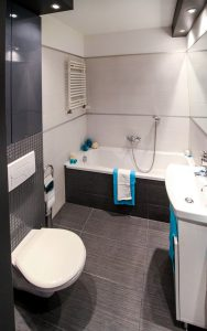 How To Maximize Space In A Small Bathroom