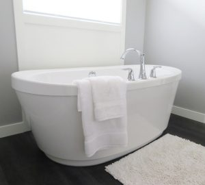 bathtub idea for small bathrooms