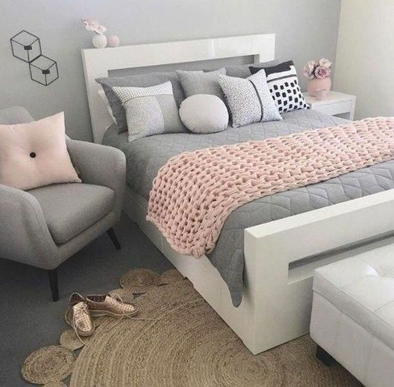 Small Bedroom For Girls