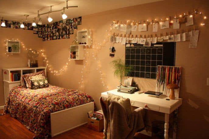 Small Bedroom Ideas For Girls - Lots Of Lights